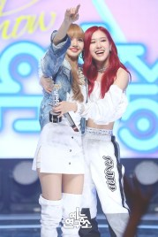 BLACKPINK Rose Lisa MBC Music Core white outfit 30 June 2018 photo