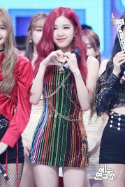 BLACKPINK Rose MBC Music Core 14 July 2018 PD Note Photo 5