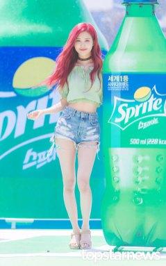 BLACKPINK-Rose-Sprite-Waterbomb-Festival-Seoul-60