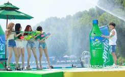 BLACKPINK-SPRITE-ISLAND-WATERBOMB-FESTIVAL-SEOUL-21-July-2018-photo-16