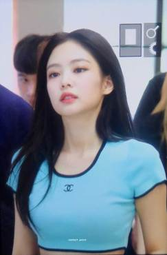 BLACKPINK-UPDATE-Jennie-Airport-Photo-Fashion-22-July-2018-japan-arena-tour-8