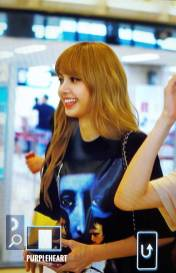 BLACKPINK-UPDATE-Lisa-Airport-Photo-Fashion-22-July-2018-japan-arena-tour-11