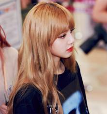 BLACKPINK UPDATE Lisa Airport Photo Fashion 22 July 2018 japan arena tour 21