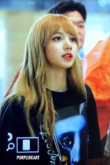 BLACKPINK-UPDATE-Lisa-Airport-Photo-Fashion-22-July-2018-japan-arena-tour-7