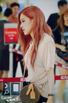 BLACKPINK-UPDATE-Rose-Airport-Photo-Fashion-22-July-2018-japan-arena-tour-16