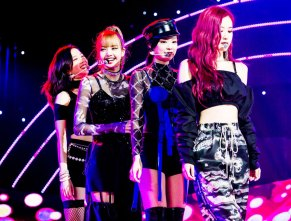 Blackpink-SBS-Inkigayo-8-July-2018-PD-Note-black-outfit