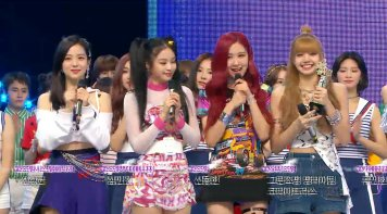 Blackpink win triple crown mbc music core july 7, 20108 photo 3