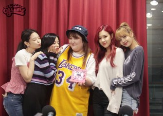 English-Subtitle-BLACKPINK-SBS-Power-FM-Lee-Guk-Joo-Young-Street-Radio-2