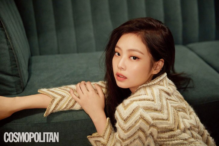 HQ-BLACKPINK-Jennie-Cosmopolitan-Korea-Magazine-August-2018-Issue