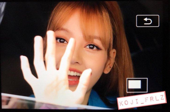 blackpink lisa car photos leaving sbs inkigayo july 8, 2018 fantaken