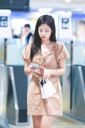 BLACKPINK-Jennie-Airport-Photo-18-August-2018-Incheon-16
