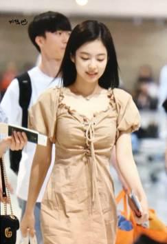 BLACKPINK-Jennie-Airport-Photo-18-August-2018-Incheon-7