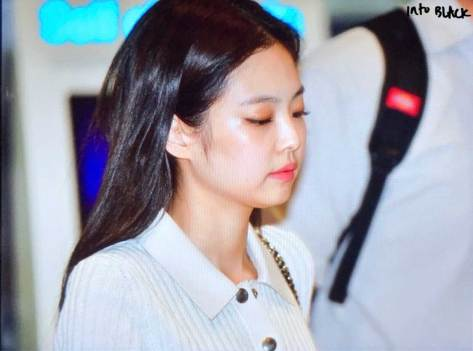 BLACKPINK-Jennie-Airport-Photo-23-August-2018-Gimpo-12