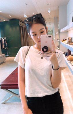 BLACKPINK Jennie Instagram Story 29 August 2018 selfie