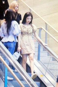 BLACKPINK-Jennie-Jisoo-Jensoo-Airport-Photo-18-August-2018-Incheon-14