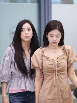 BLACKPINK-Jennie-Jisoo-Jensoo-Airport-Photo-18-August-2018-Incheon-15