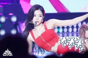 BLACKPINK-Jennie-mbc-music-core-4-august-2018-good-bye-stage