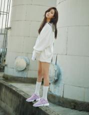 BLACKPINK Jisoo Adidas POD S31 photo