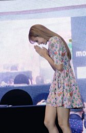 BLACKPINK LISA moonshot central world fansign event bangkok thailand 112