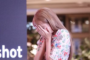 BLACKPINK LISA moonshot central world fansign event bangkok thailand 153