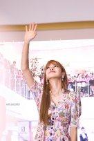 BLACKPINK LISA moonshot central world fansign event bangkok thailand 164