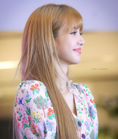 BLACKPINK LISA moonshot central world fansign event bangkok thailand 182