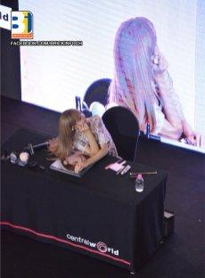 BLACKPINK LISA moonshot central world fansign event bangkok thailand 29
