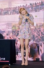 BLACKPINK LISA moonshot central world fansign event bangkok thailand 94