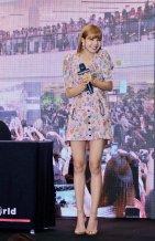 BLACKPINK LISA moonshot central world fansign event bangkok thailand 95
