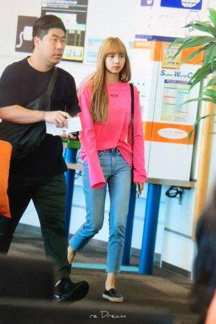 BLACKPINK-Lisa-Airport-Photo-18-August-2018-Incheon-28