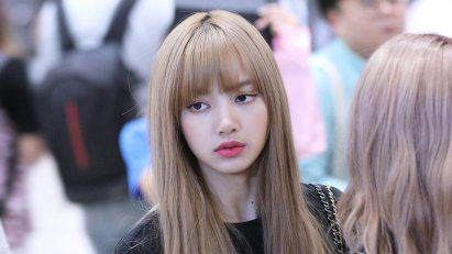 BLACKPINK Lisa Airport Photo 23 August 2018 Gimpo 7