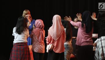 BLACKPINK Lisa Meet and Greet Indonesia stage