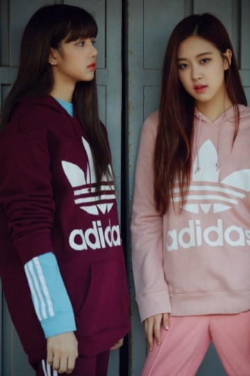 BLACKPINK Lisa Rose Chaelisa adidas originals