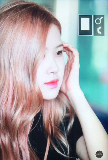 BLACKPINK-Rose-Airport-Photo-18-August-2018-Incheon-24