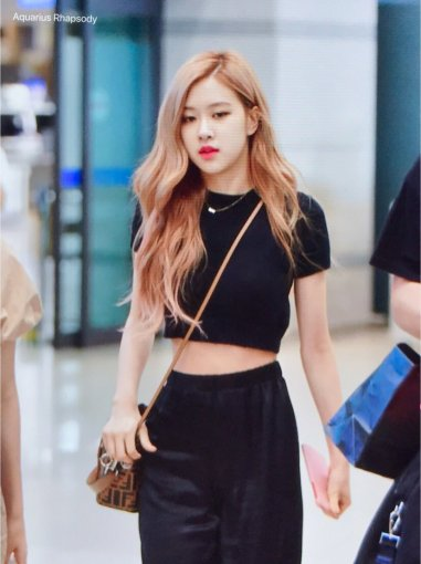 BLACKPINK Rose Airport Photo 18 August 2018 Incheon 4