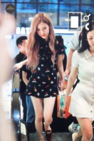 BLACKPINK-Rose-Airport-Photo-23-August-2018-Gimpo-13