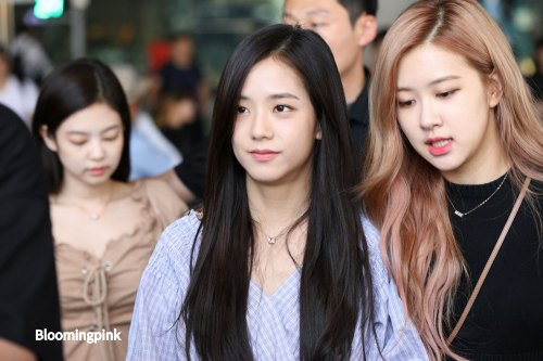BLACKPINK-Rose-Jisoo-Chaesoo-Airport-Photo-18-August-2018-Incheon-2