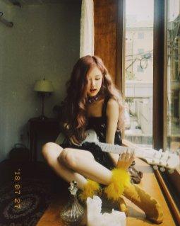 BLACKPINK Rose behind the scenes Dazed Korea Magazine 15
