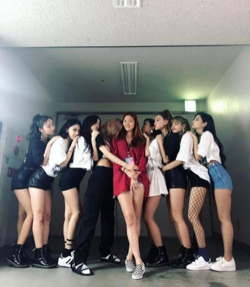 BLACKPINK with YG Dancers