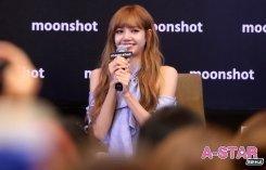 Day 1 BLACKPINK Lisa moonshot fansign event Bangkok Thailand 155