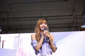 Day 1 BLACKPINK Lisa moonshot fansign event Bangkok Thailand 181