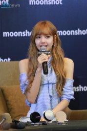 Day 1 BLACKPINK Lisa moonshot fansign event Bangkok Thailand 4