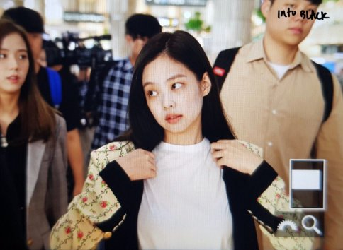 10-BLACKPINK Jennie Airport Photo 17 September 2018 Gimpo to Japan