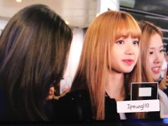 10-BLACKPINK-Lisa-JFK-Airport-Photo-New-York-City