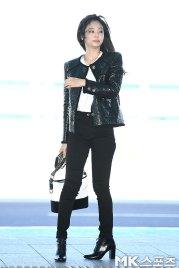 101-BLACKPINK-Jennie-Airport-Photos-Incheon-to-France-Paris-Fashion-Week