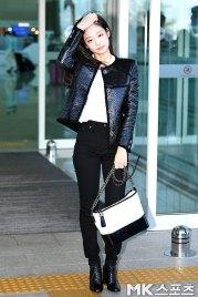 108-BLACKPINK-Jennie-Airport-Photos-Incheon-to-France-Paris-Fashion-Week