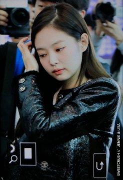 108-BLACKPINK Jennie Airport Photos Incheon to Paris Fashion Week