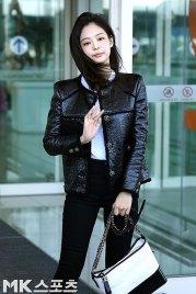109-BLACKPINK-Jennie-Airport-Photos-Incheon-to-France-Paris-Fashion-Week