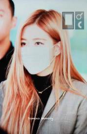 11-BLACKPINK-Rose-Airport-Photo-Incheon-Seoul-From-New-York