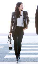12-BLACKPINK Jennie Airport Photos Incheon to France Paris Fashion Week
